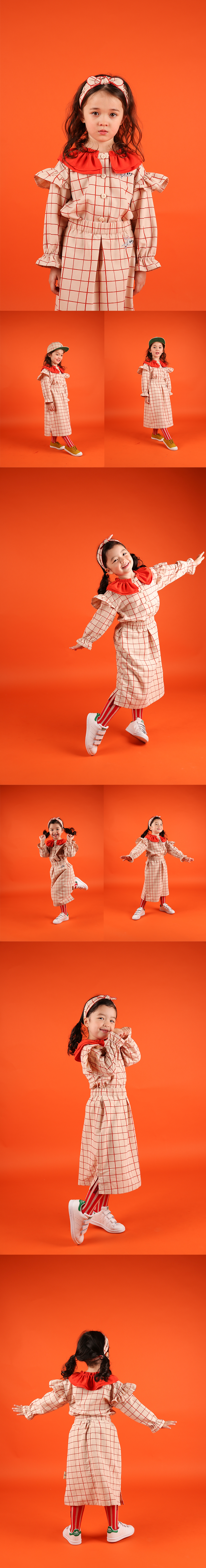 Rabbit checked pattern double frill collar blouse 상세 이미지